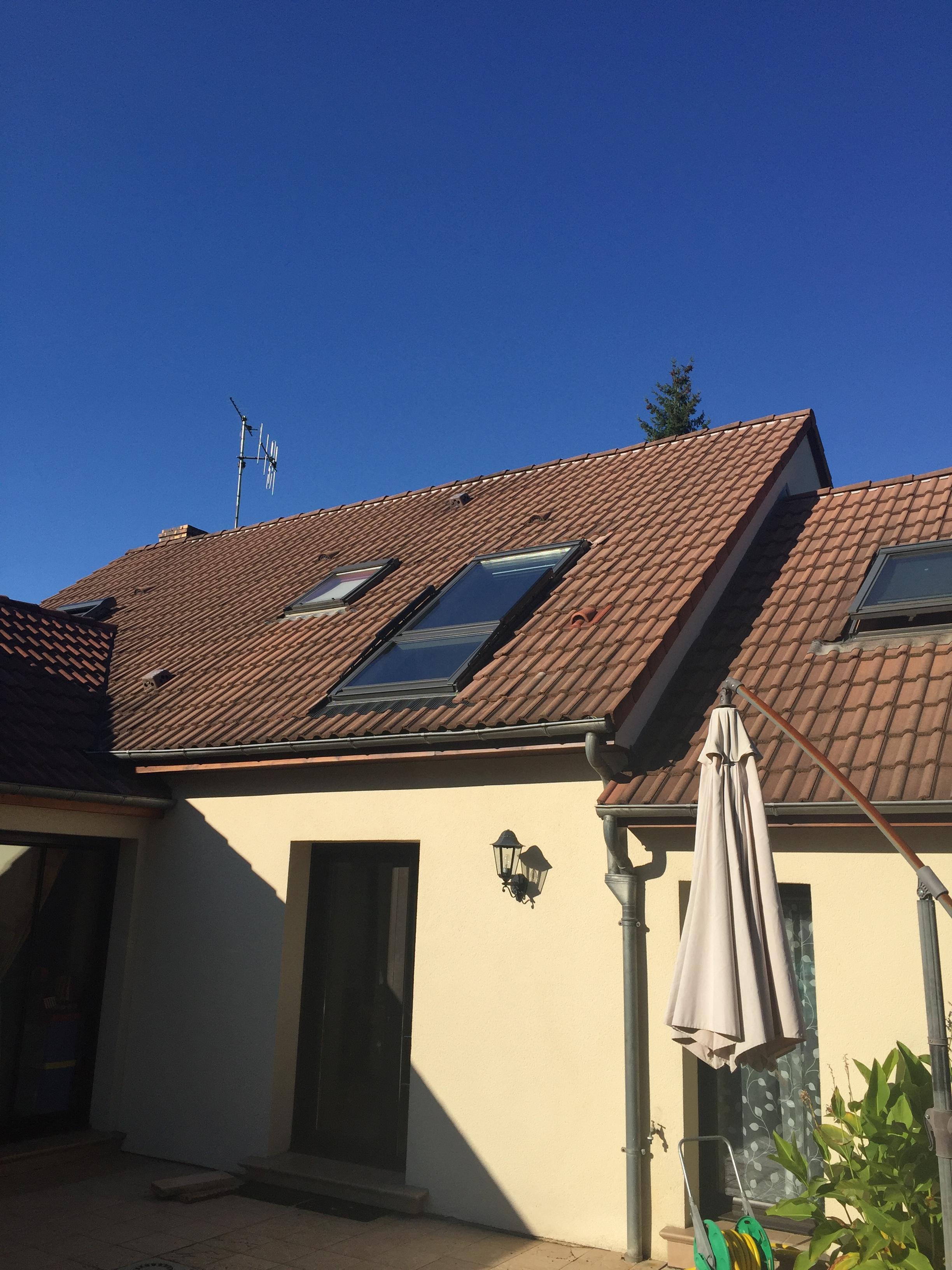 fen tre de toit balcon velux installation velux le mans ng services. Black Bedroom Furniture Sets. Home Design Ideas