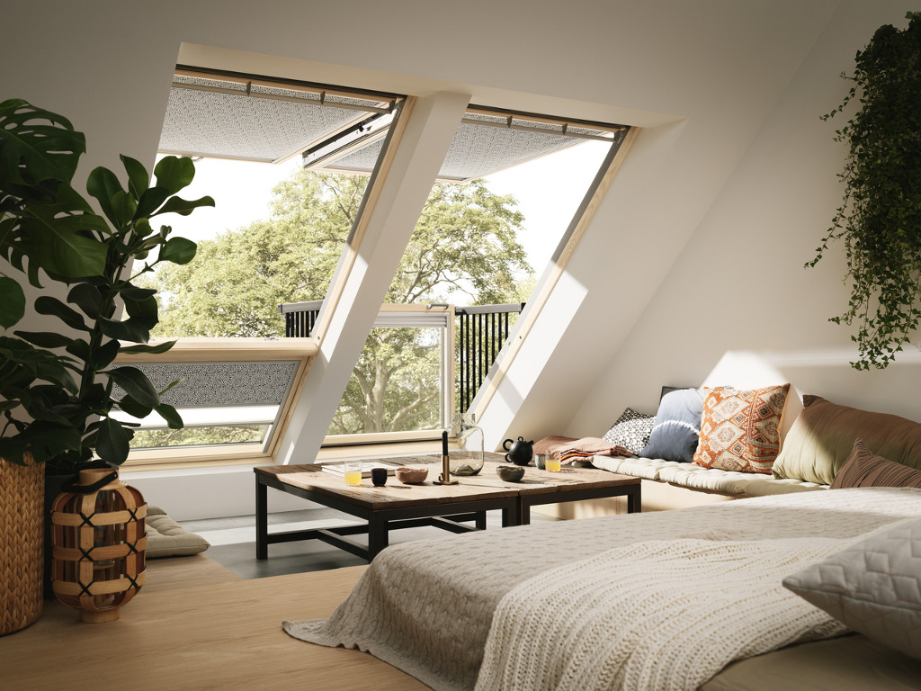 fen tre de toit balcon velux installation velux le mans ng services. Black Bedroom Furniture Sets. Home Design Ideas
